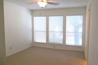 Bedroom at Listing #135936