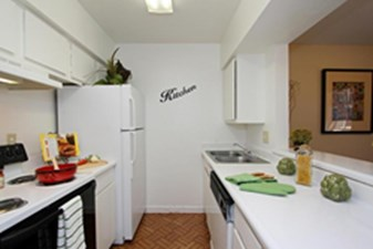Kitchen at Listing #139840