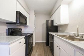 Kitchen at Listing #292646