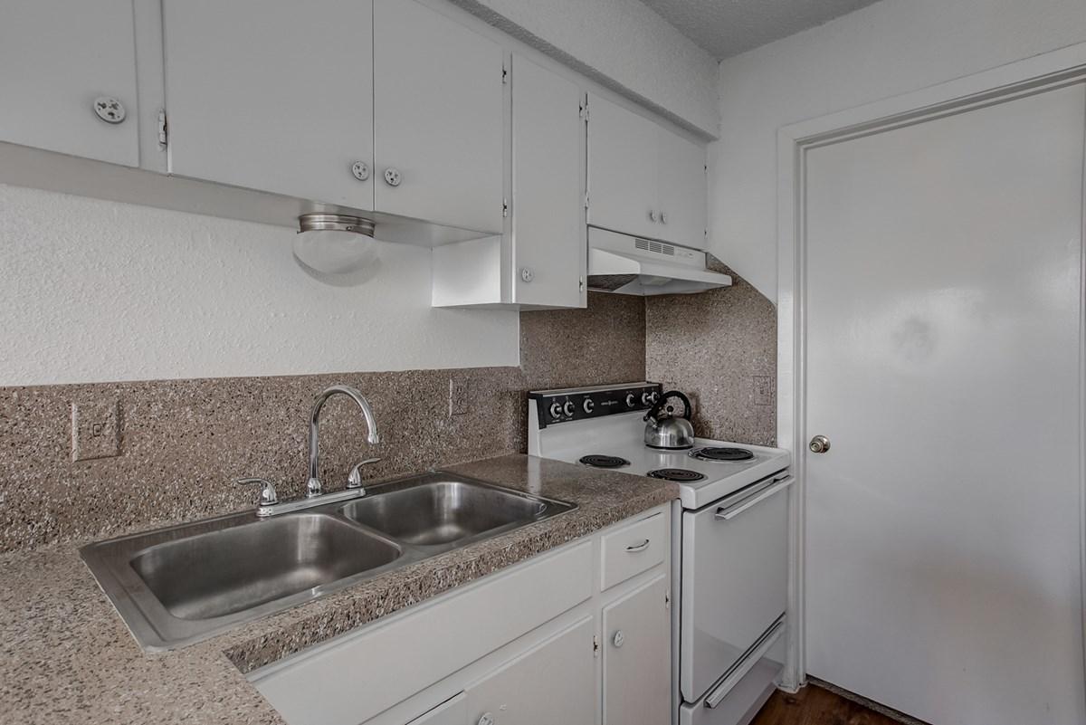 Kitchen at Listing #140542