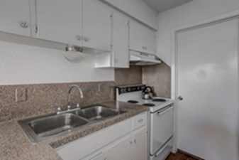 Kitchen at Listing #140542
