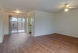 Living Area at Listing #141295