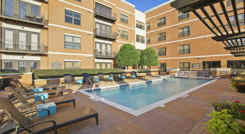 Pool at Listing #144522