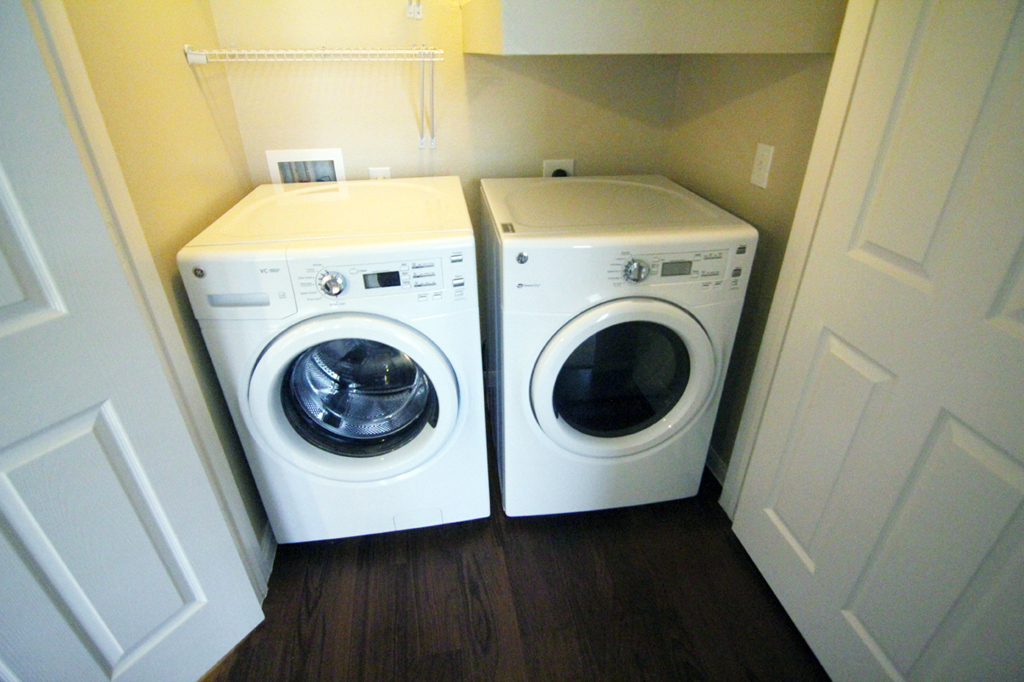 Laundry at Listing #229170