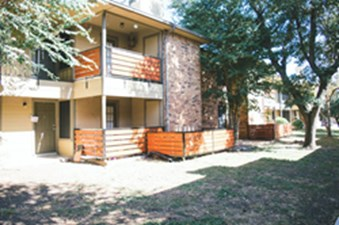 Exterior at Listing #145881