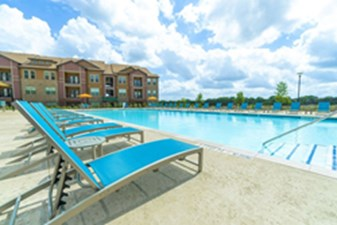 Pool at Listing #282453