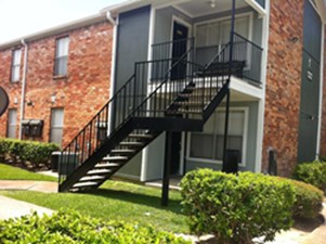 Exterior at Listing #139736