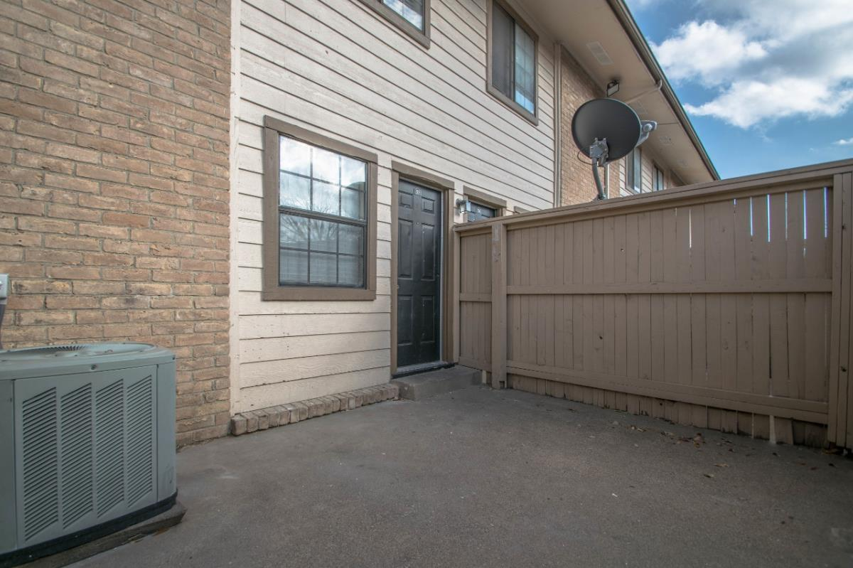 Patio at Listing #136642
