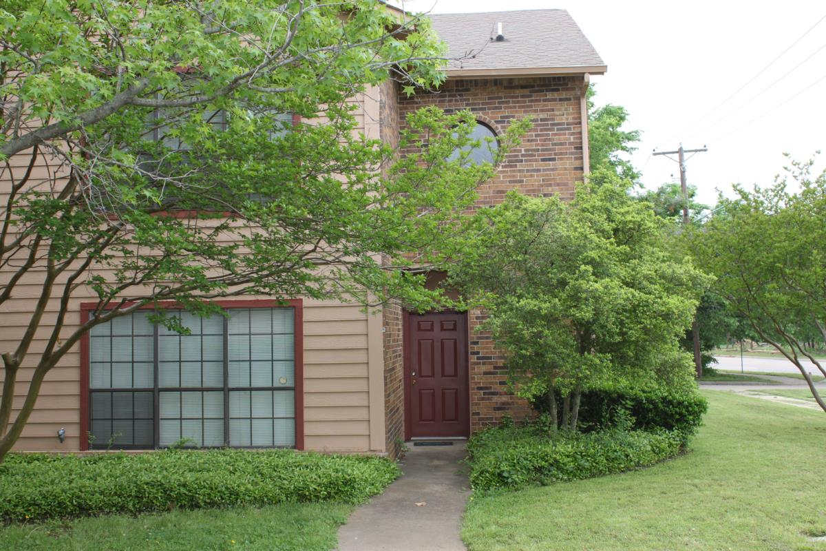 Exterior at Listing #137855