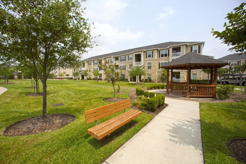 Camden Downs at Cinco Ranch Apartments
