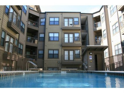 Texan Shoal Creek Apartments