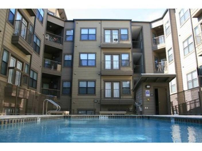 texan shoal creek Apartments