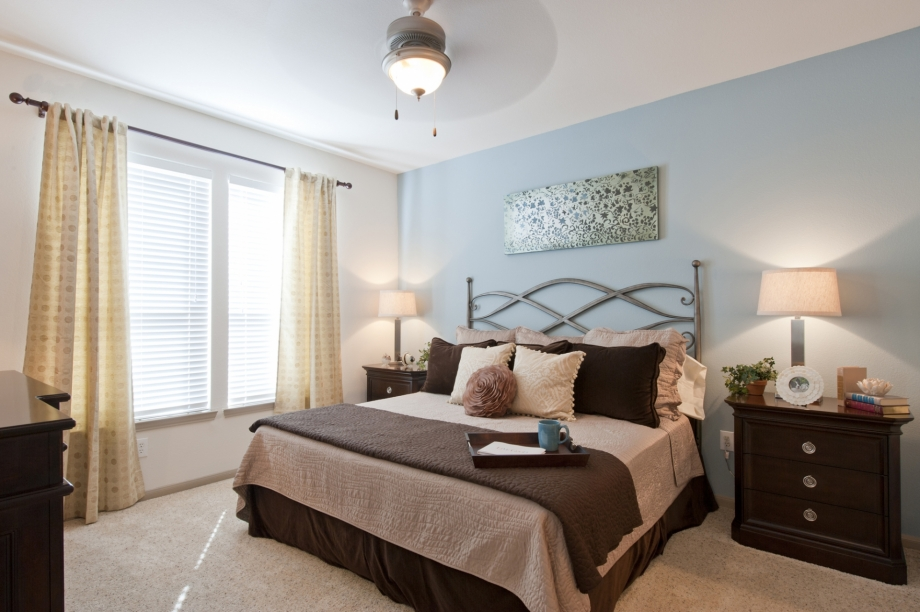 Bedroom at Listing #144208