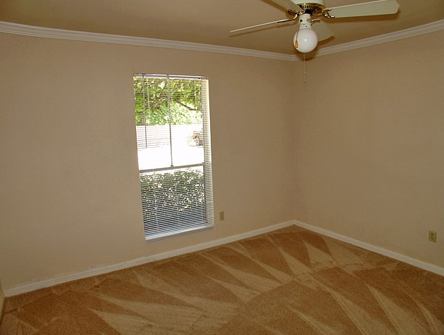 Bedroom at Listing #139319