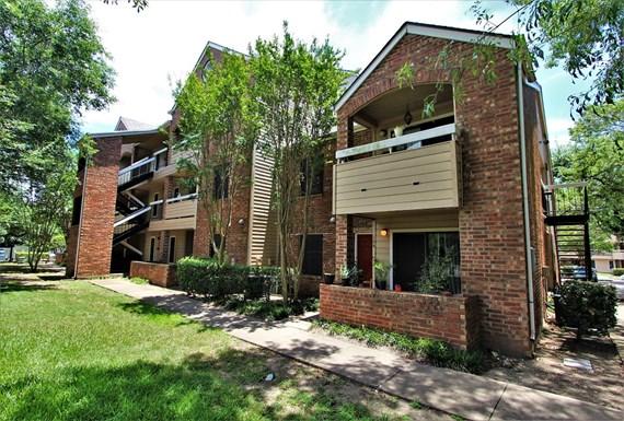 Oak Bend Apartments