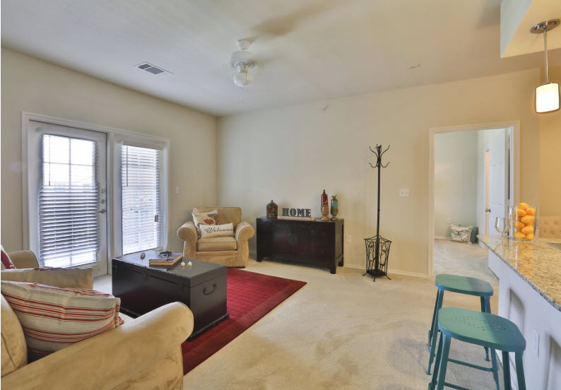 Living at Listing #257441
