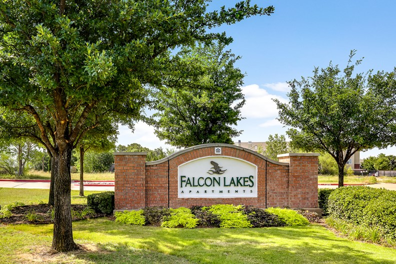 Falcon Lakes Apartments