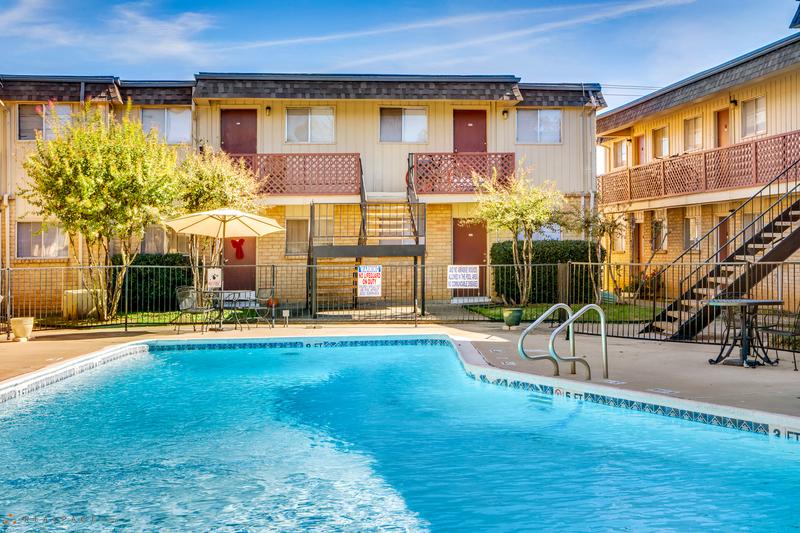 Pool at Listing #136972