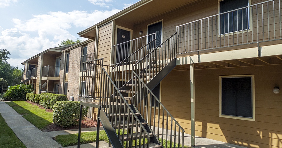 Exterior at Listing #139300