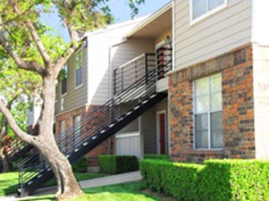 Exterior at Listing #136187