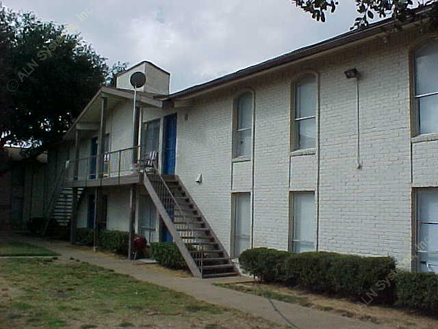 Spanish Trace Apartments