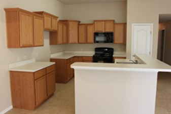 Kitchen at Listing #305629