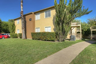 Exterior at Listing #140433