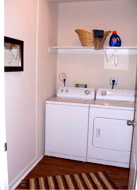 Laundry at Listing #140102
