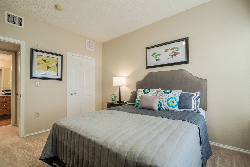 Bedroom at Listing #237394