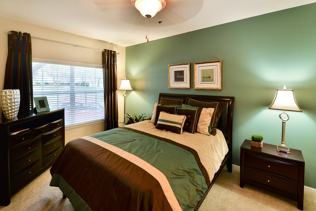Bedroom at Listing #137728