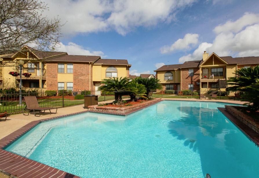 Pool at Listing #138314