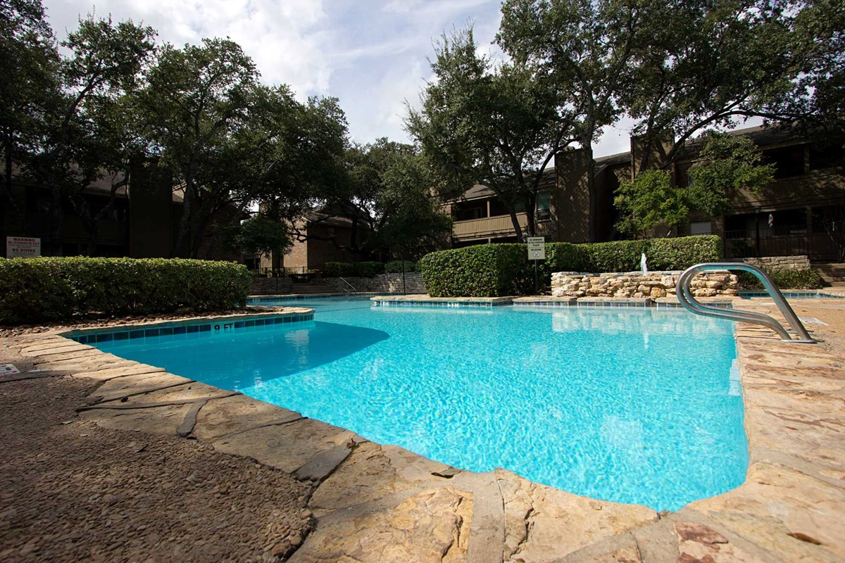 Walnut Hill Apartments San Antonio TX