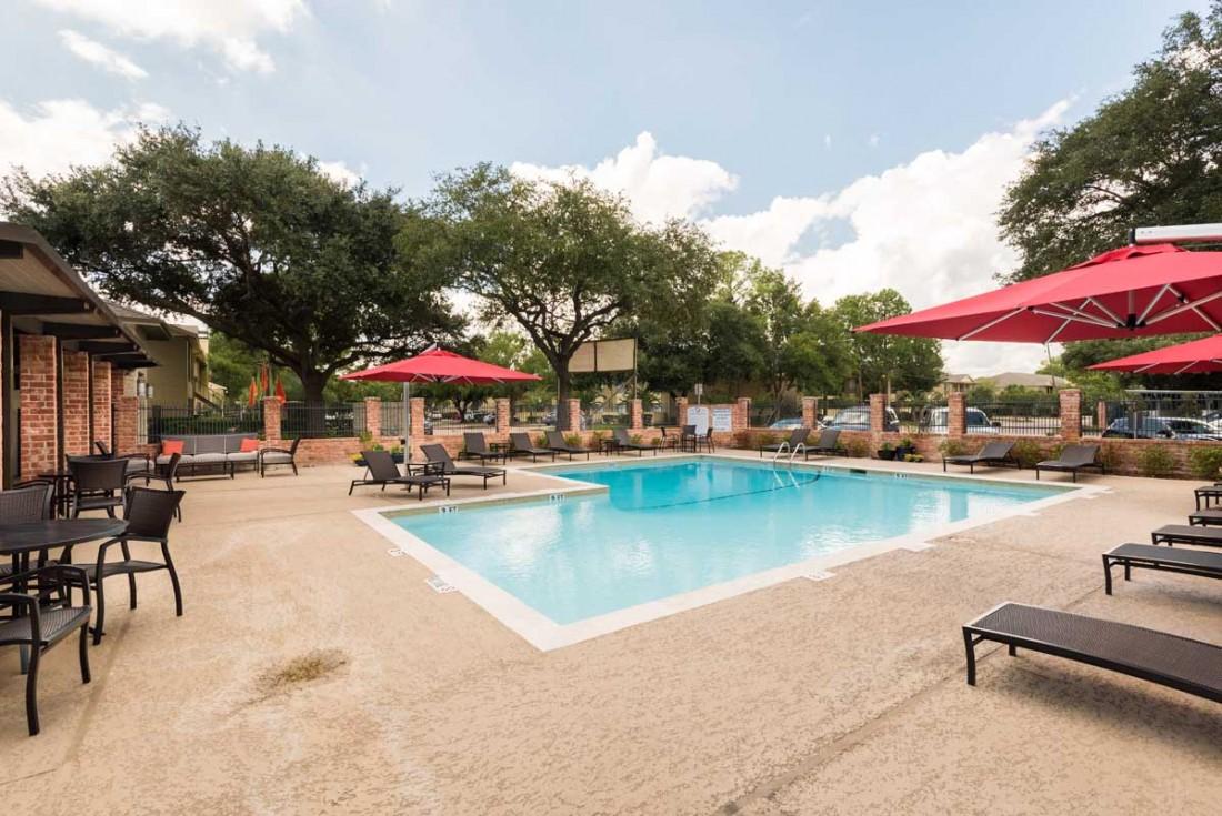 Pool at Listing #138951