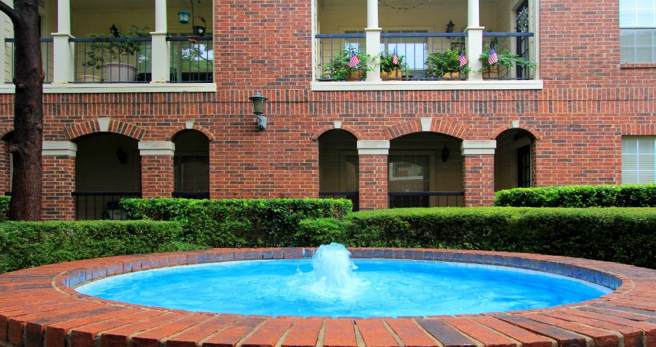 Fountain at Listing #136704
