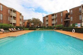 Pool at Listing #141252