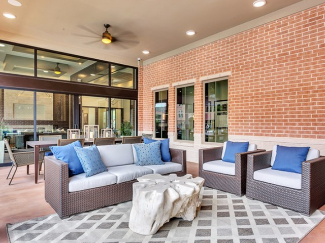 Lounge at Listing #291783