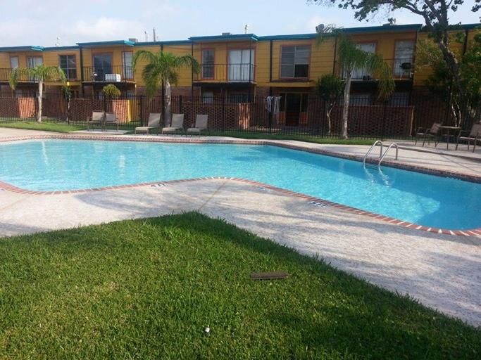 Pool at Listing #139482