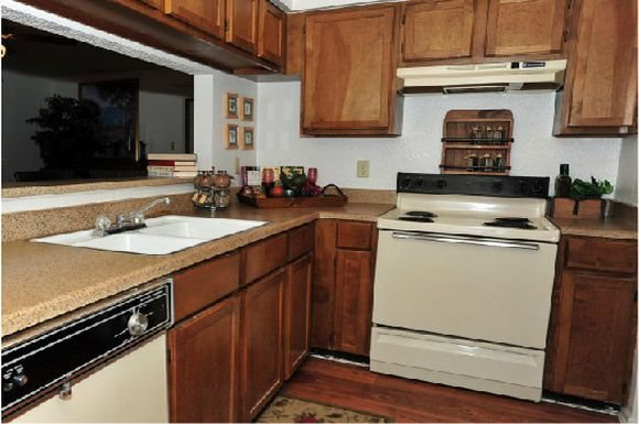 Kitchen at Listing #141312