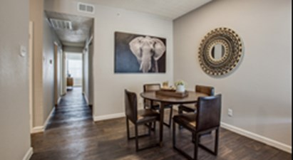 Dining at Listing #136883
