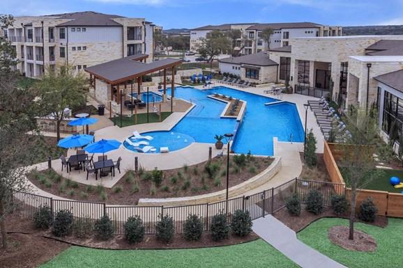 Lenox Overlook Apartments
