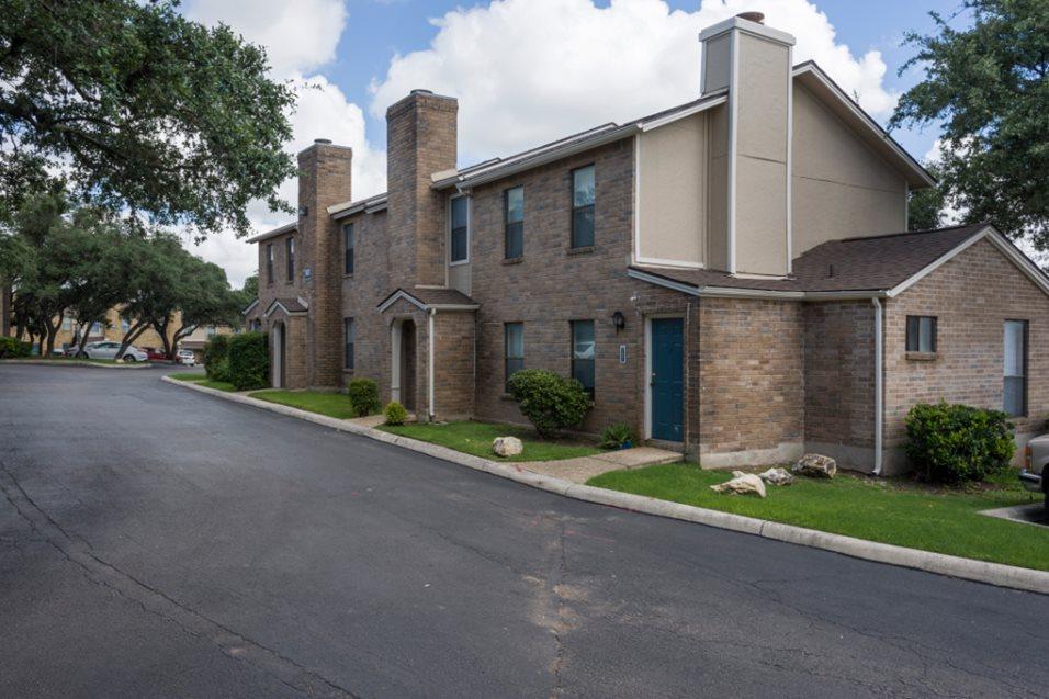 Maxwell Townhomes Apartments San Antonio TX