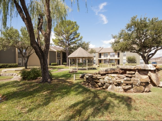 Exterior at Listing #138540