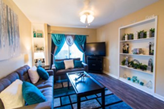 Living at Listing #138595