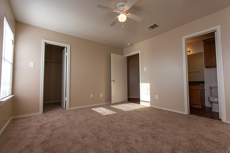 Bedroom at Listing #286549