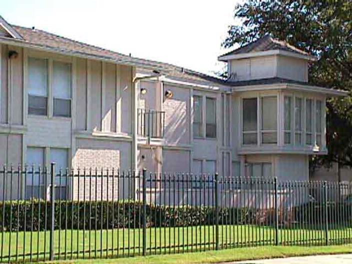 Amesbury Parc Apartments
