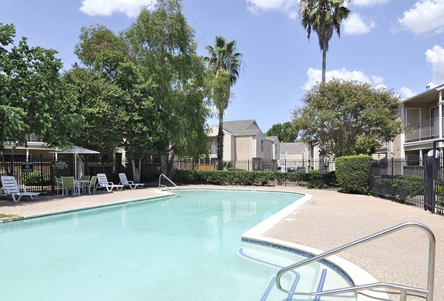 Pool at Listing #138641