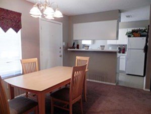 Dining/ Kitchen at Listing #137105