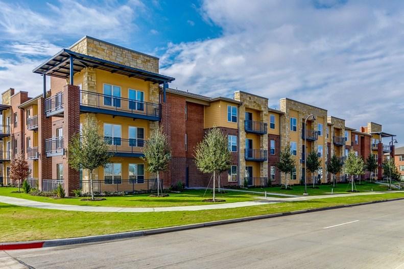 Gateway Pines Apartments