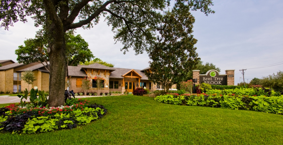 Bent Tree Brook Apartments Addison, TX