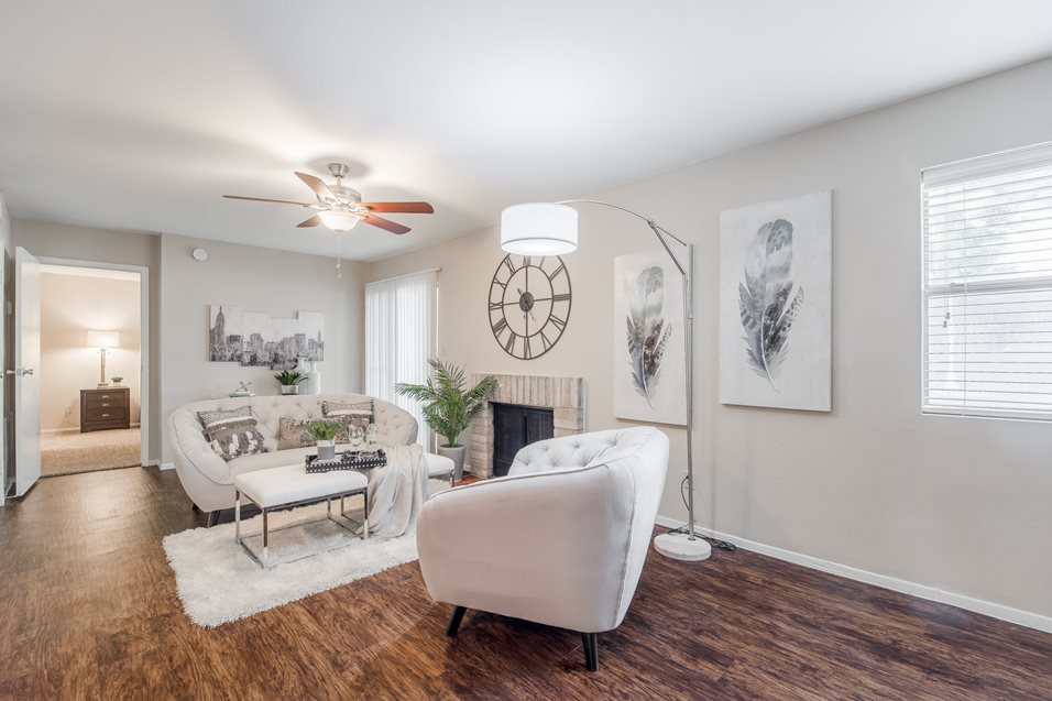 Living at Listing #141273